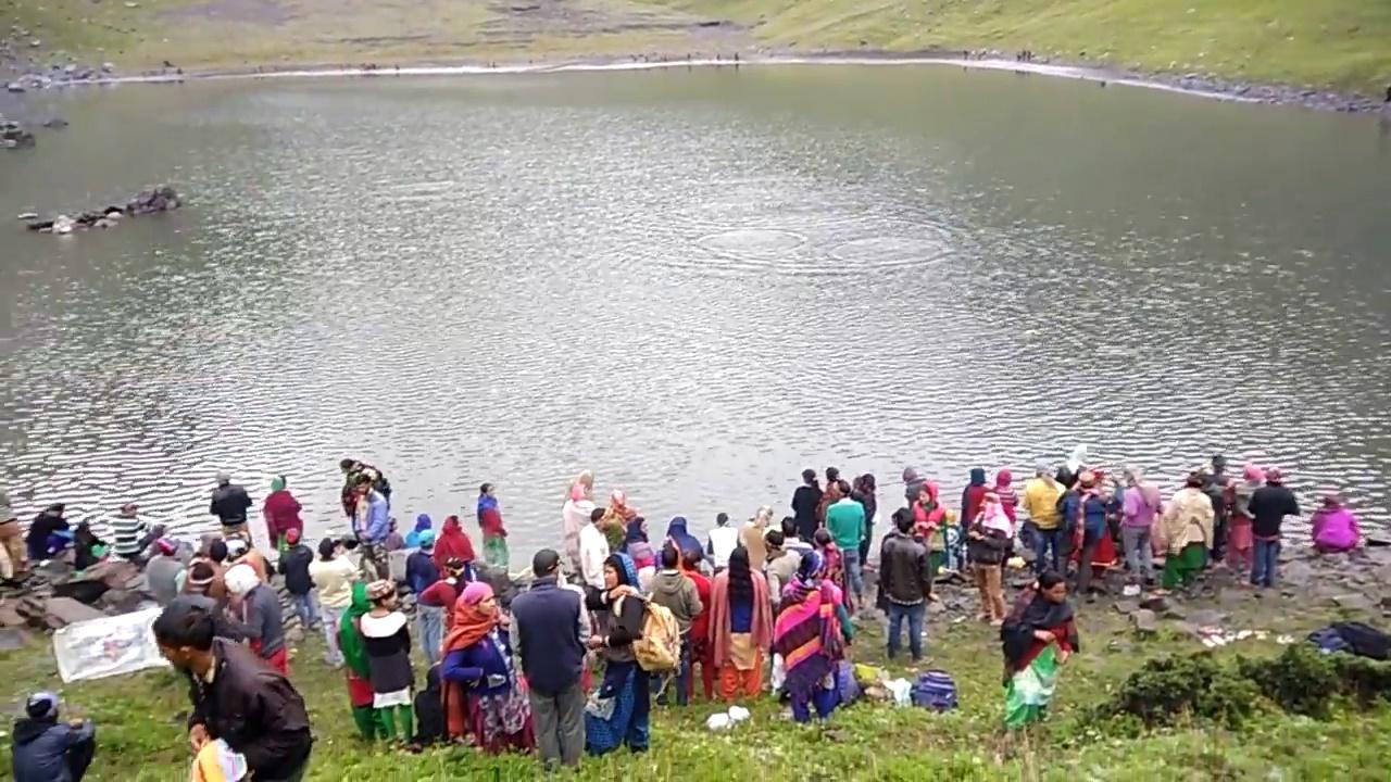 Khundi Maral Lake